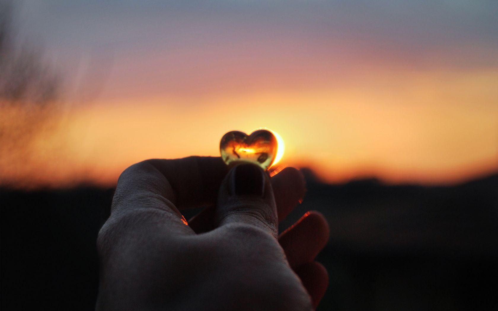 Horoscop zilnic, miercuri, 9 ianuarie 2019. Se anunță începutul unei povești de dragoste, dar și o mărire de salariu