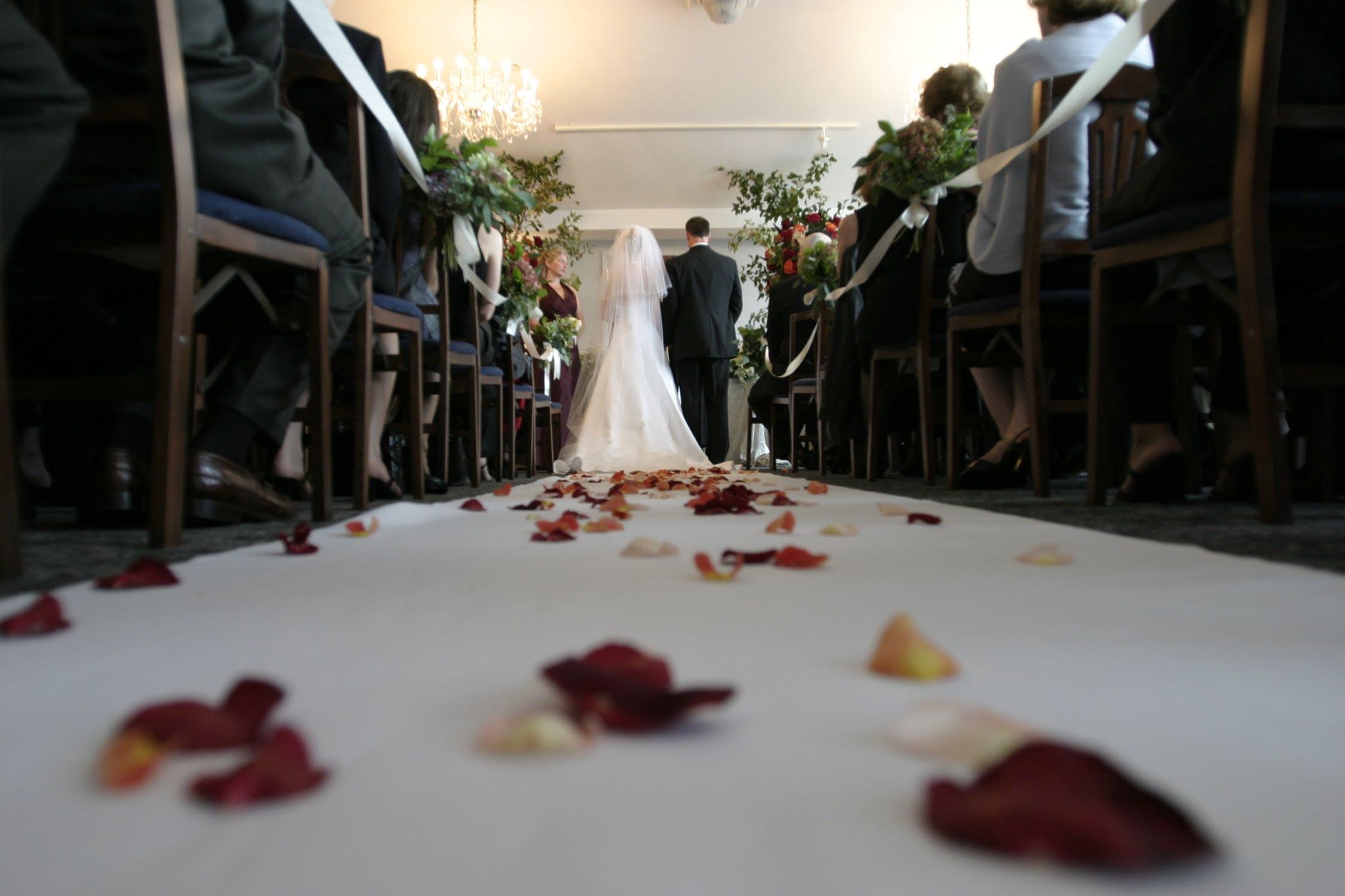 Amanta soțului a apărut la nuntă, îmbărcată în mireasă! Cum a reacționat soția. VIDEO