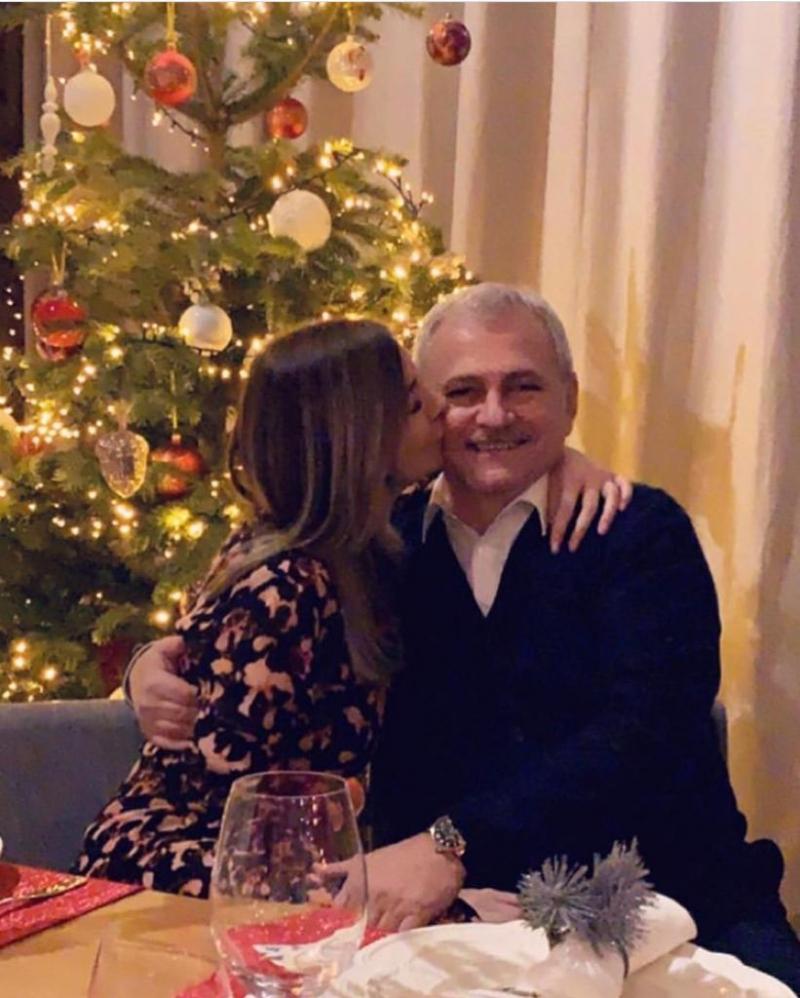 Liviu Dragnea, sărutat de iubită, în noaptea dintre ani