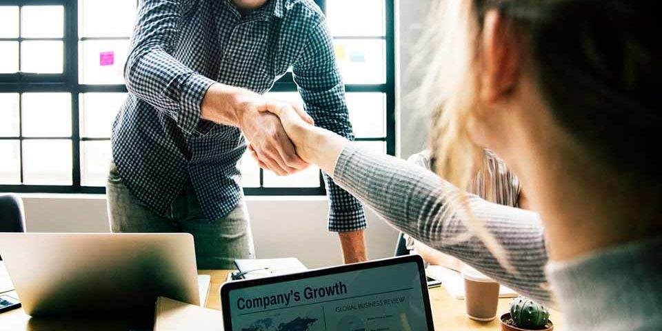 Mai multe zodii au succes în afaceri și la locul de muncă