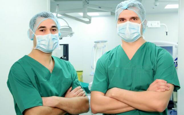 Medicii nu se feresc, salariile lor sunt afișate