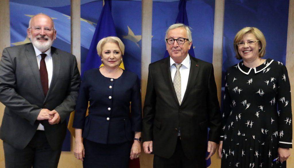 Premierul României, Viorica Dăncilă, alături de Jean Claude Juncker, preşedintele Comisiei Europene