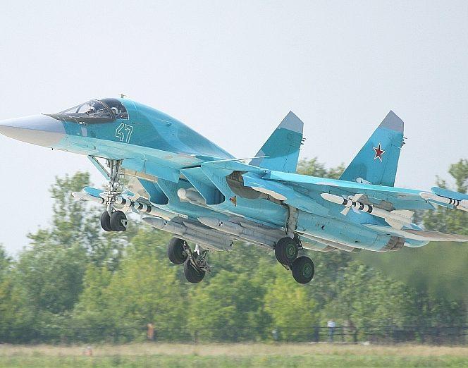 Militarii aflați la bordul celor două avioane s-au catapultat