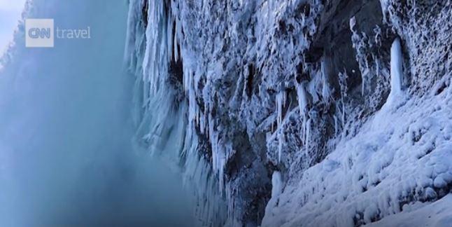 Cascada Niagara a înghețat. Acest fenomen nu a mai fost prezent din 1883