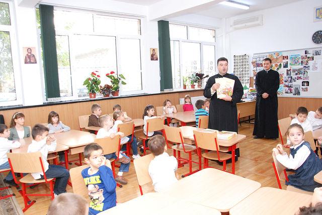 Părinții și copiii trebuie să afle asta ce se întâmplă cu ora de religie în școlile din România