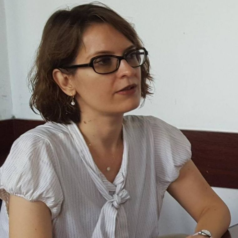 Adriana Enache, profesoara care a fost sedusă de un preot