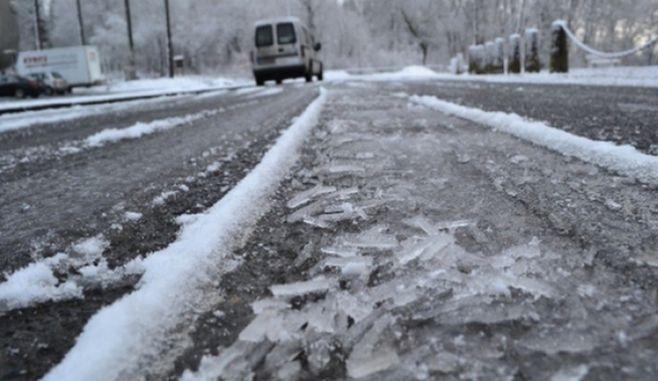 Șoferii au fost sfătuiți să nu plece la drum fără anvelopele de iarnă
