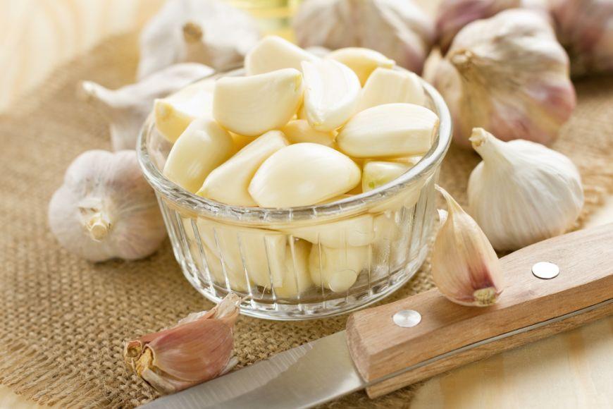 Usturoiul este un aliment care gonește gripa și răceala, dar și oamenii din jurul tău!