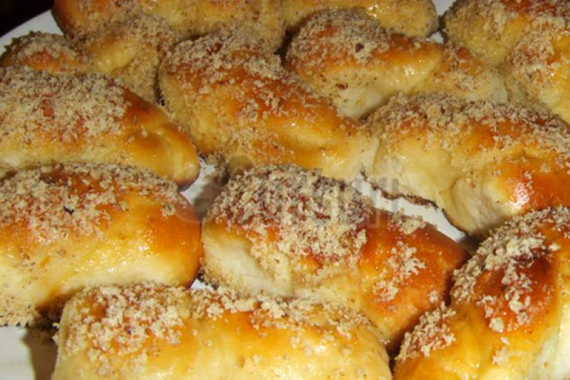 """Mucenicii moldovenești acoperă o """"arie"""" largă de gusturi și sunt un desert iubit de majoritatea românilor, credincioși sau atei. Aluatul asemănător celui de cozonac le dă tot farmecul"""