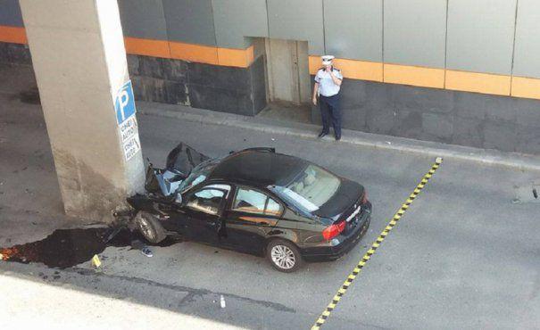 Accident rutier grav la Pasajul Obor! Cinci mașini au fost imiplicate