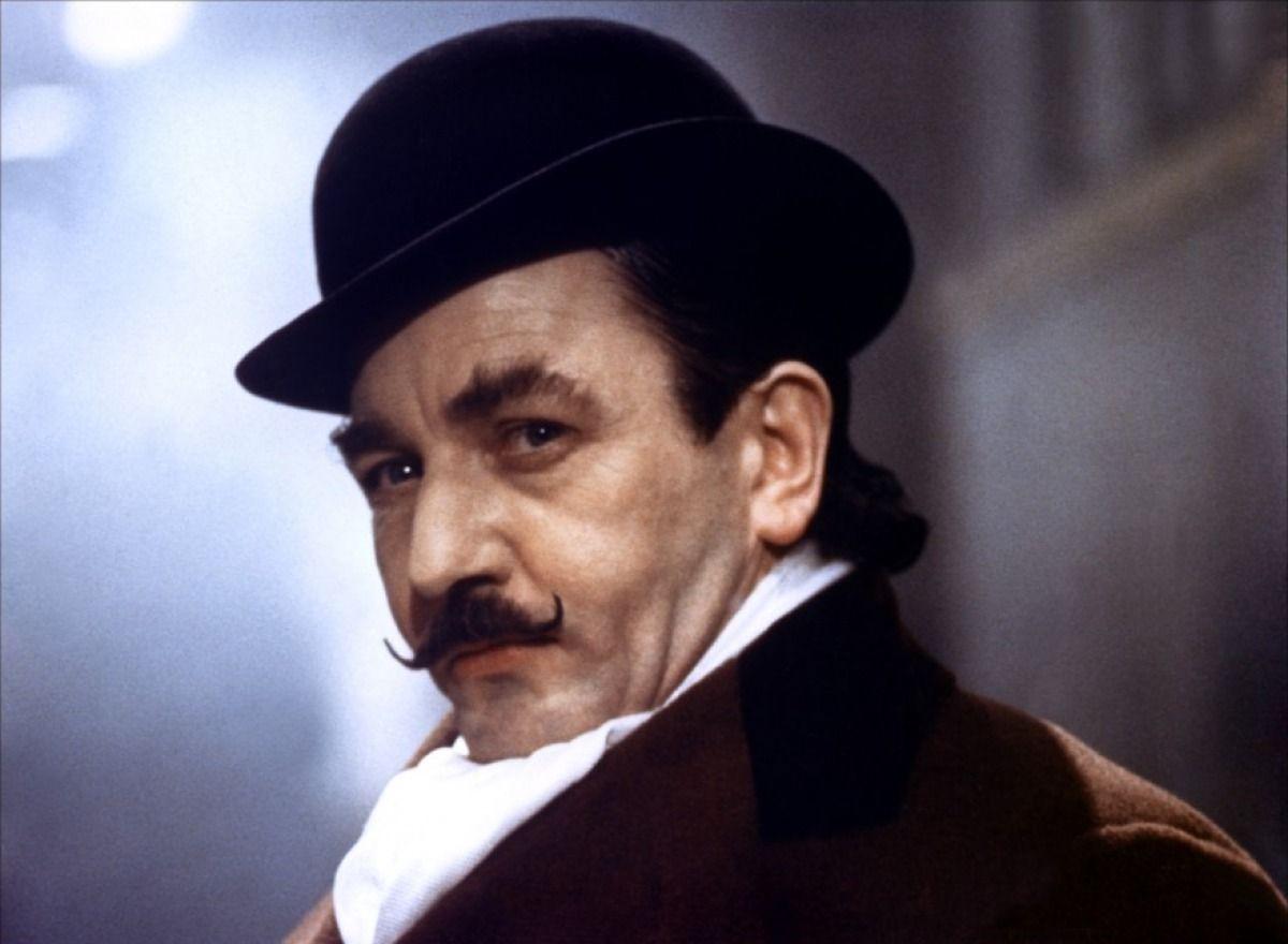 Albert Finney l-a interpretat pe Hercule Poirot în filmul Crima din Orient Express