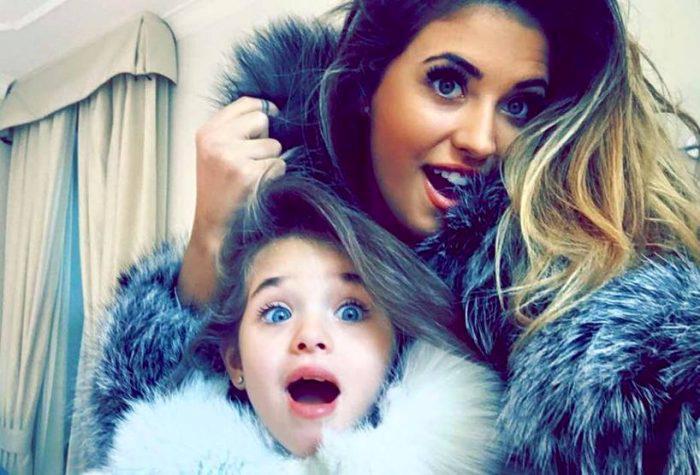 Antonia și fiica ei, Maya