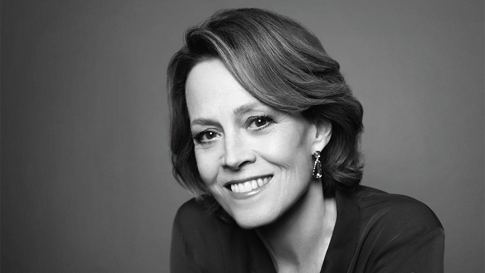 """Sigourney Weaver printre puţinii actori nominalizați la Oscar pentru o prestaţie dintr-un film science-fiction, celebrul """"Aliens - Misiune de pedeapsă"""""""