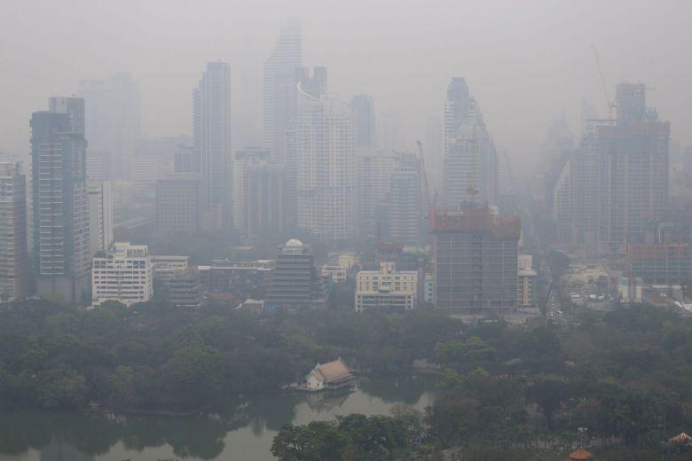 Bangkok, acoperit de un nor uriaș de poluare