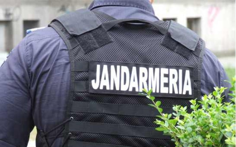 Bărbatul care și-ar fi însușit banii este șeful Serviciului Logistic din Jandarmeria Ialomița