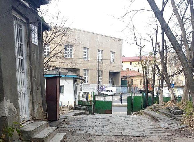 """Ce se întâmplă la Institutul """"Marius Nasta"""" din capitală"""