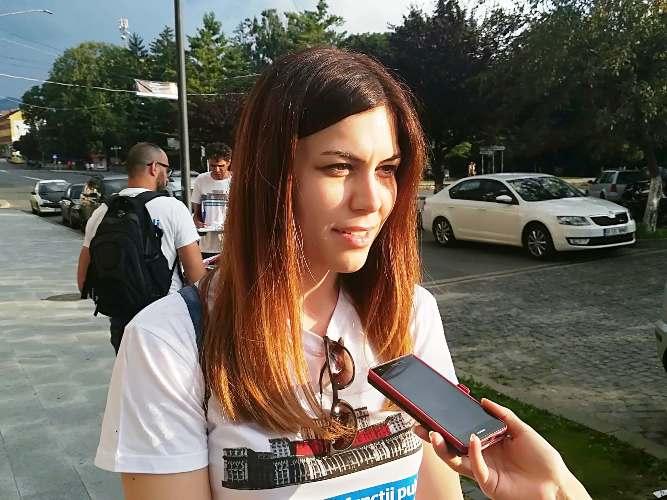 Cristina Prună în timpul liber. La fel de frumoasă ca la... serviciu! Adică în Camera Deputaților din Parlamentul României