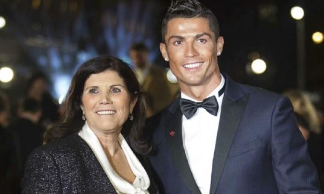 Cristiano Ronaldo, alături de mama lui