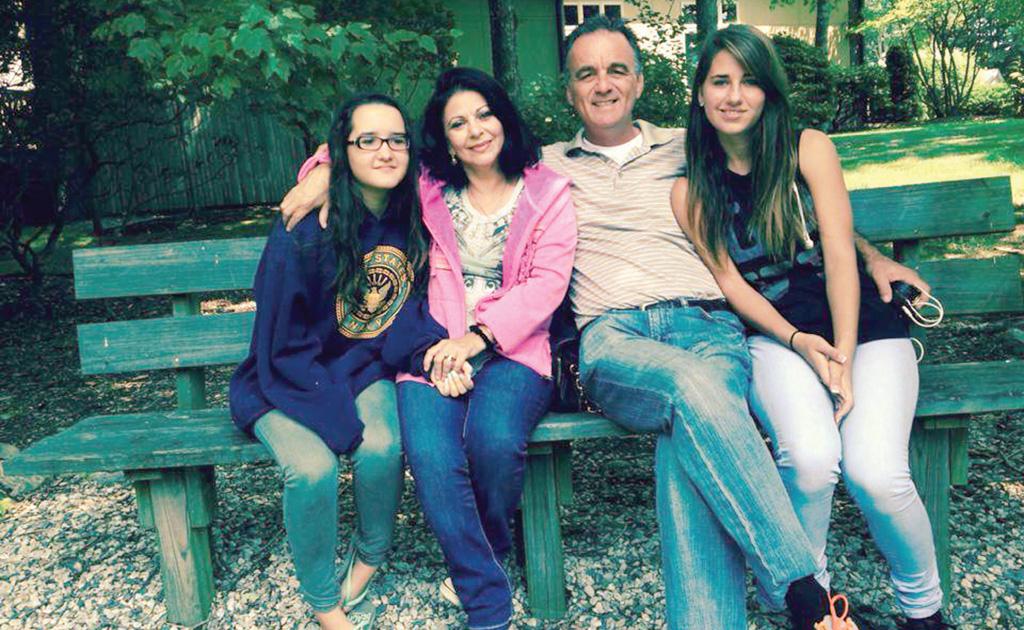 Elena Cârstea, alături de familie