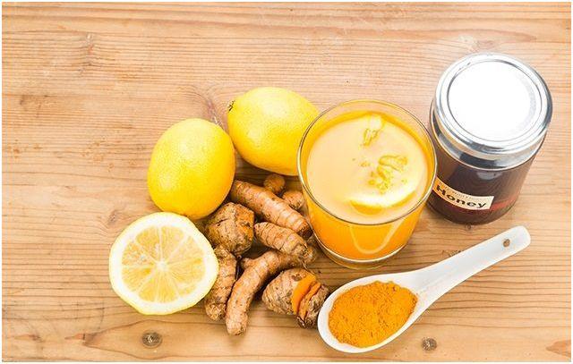 Amestec turmeric și miere, antibiotic natural