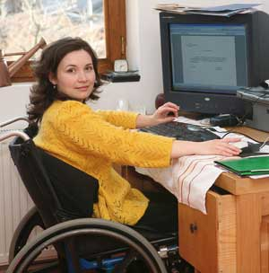 Monica Radu, femeia care a născut 3 copii, cu toate că este în scaun cu rotile