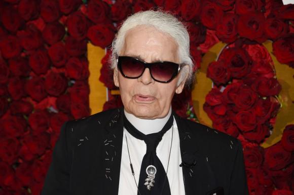 Cui i-a lasat averea Karl Lagerfeld! Incredibil la cine ajung cele 250 de milioane de euro! Nimeni nu se astepta la ASA CEVA...