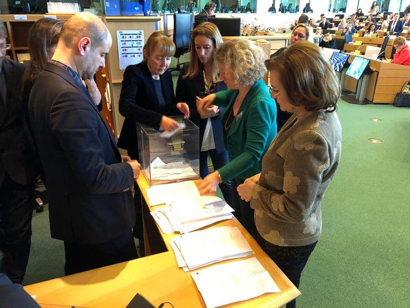 De ce a greșit Maria Grapini la numărarea voturilor pentru Kovesi. Cum a explicat europarlamentarul