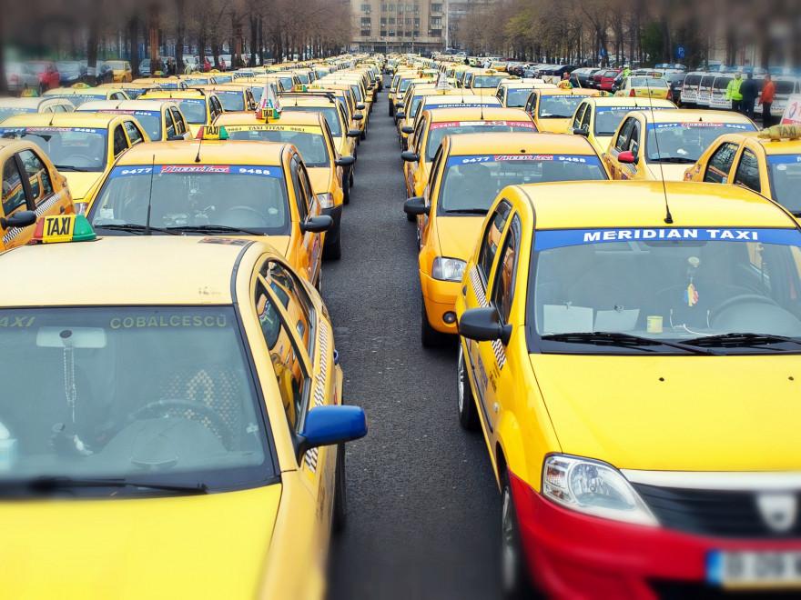 Taximetriștii protestează azi, marți, 13 februarie, în fața Guvernului!