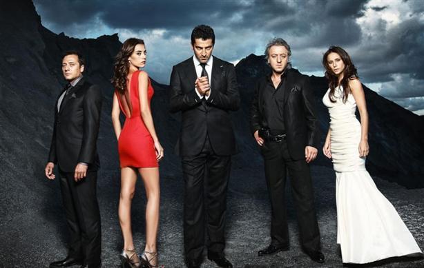 Serialul Vlad este produs după licența serialului turcesc Ezel