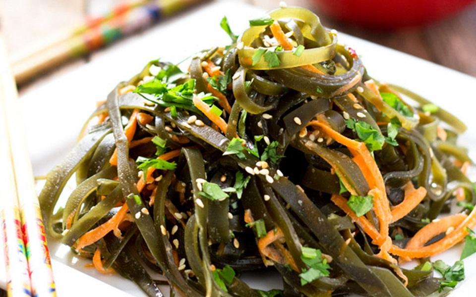 15 alimente care nu îngrașă niciodată: algele. Pentru cine le... suportă!