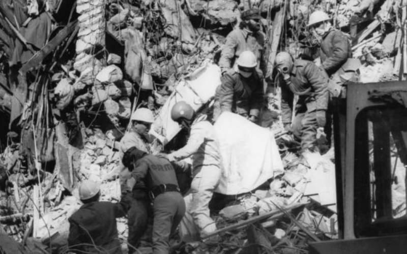 După cutremurul din 4 martie 1977, militarii și cascadorii au fost cei care și-au riscat viața pentru a salva supraviețuitorii de sub dărâmături. Și au murit și dintre ei în timp ce încercau...
