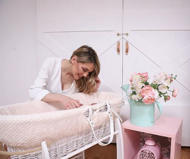"""Andreea Ibacka a povestit prin ce a trecut la nașterea fetiței sale: """"M-au mutat de urgență la sala de operații!"""""""