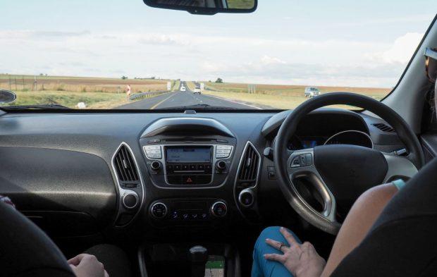 Ce se va întâmpla cu mașșinile care au volanul pe dreapta