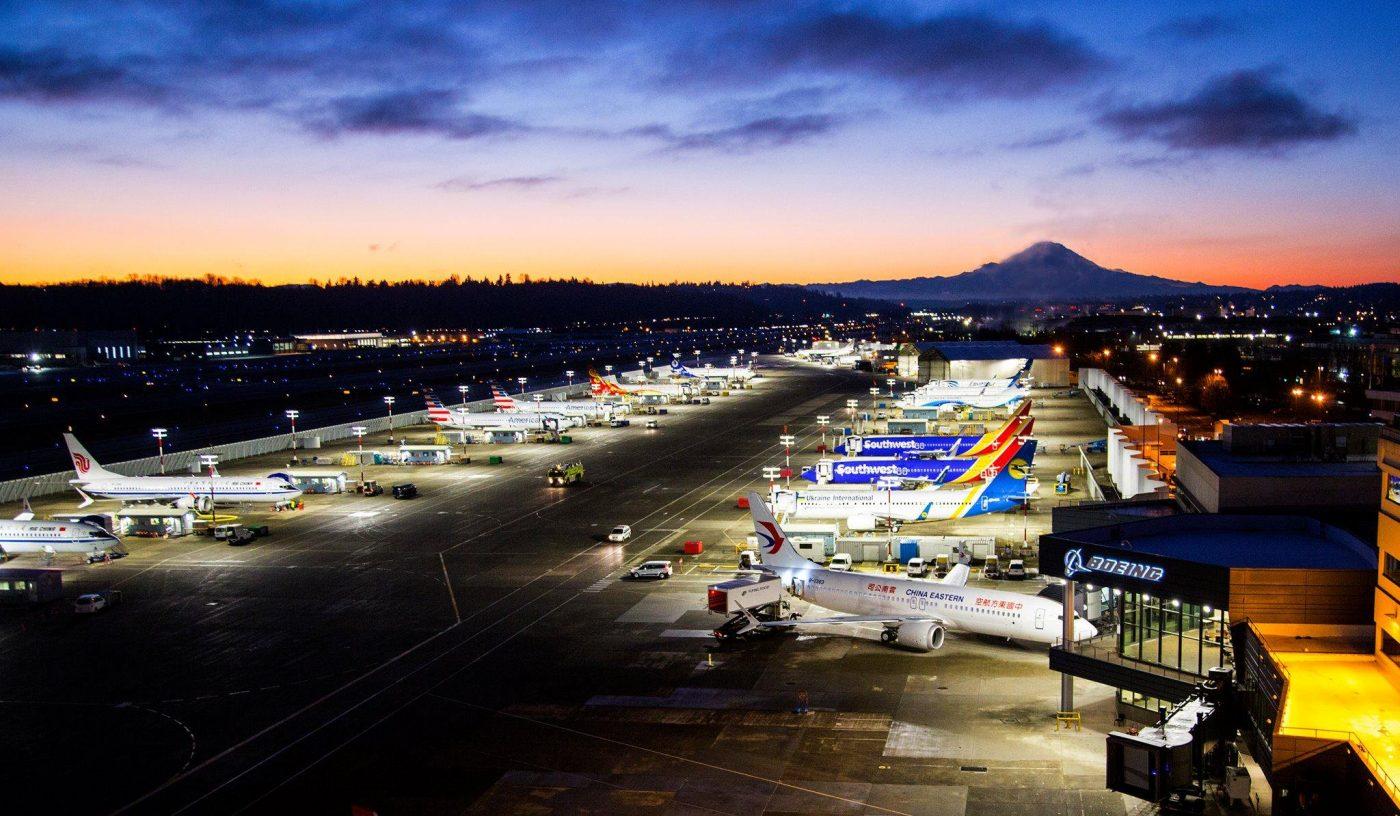 Avioanele Boeing 737 MAX 8 și 9 au fost interzise în Europa. Unul din ele se află în drum spre București!