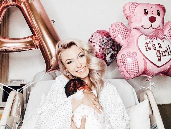 """Andreea Bălan, externată vineri, de Ziua Femeii! Ultima imagine din spital: """"Sunt o norocoasă!"""""""