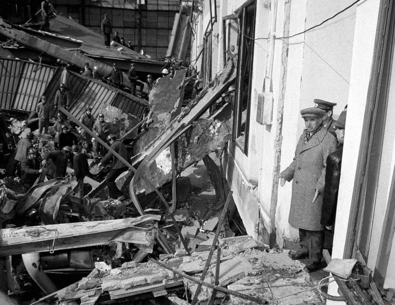 Nicolae Ceaușescu la Termocentrala Militari din București, după cutremurul devastator din 4 martie 1977. Vizită de lucru
