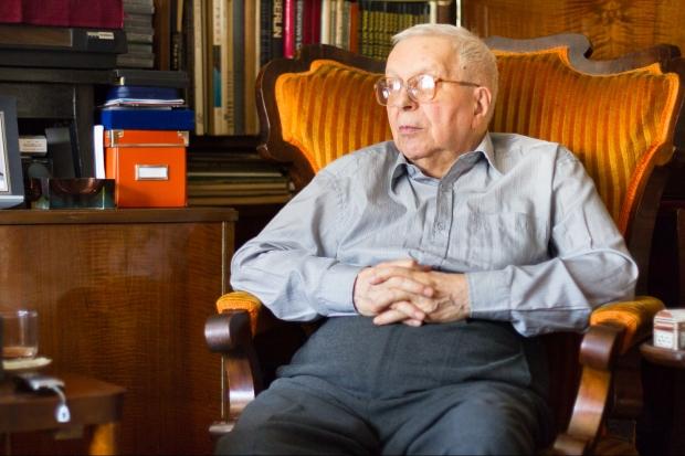 Doctorul în arhitectură Alexandru Budişteanu a fost numit de Nicolae Ceaușescu arhitect-șef al Bucureștiului la 12 zile după cutremurul din 4 martie 1977, funcție pe care a deținut-o 6 ani