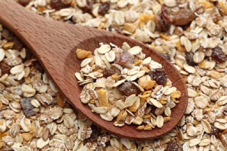 Cerealele integrale pot ține de foame după ora 18:00 fără grija că te îngrașă