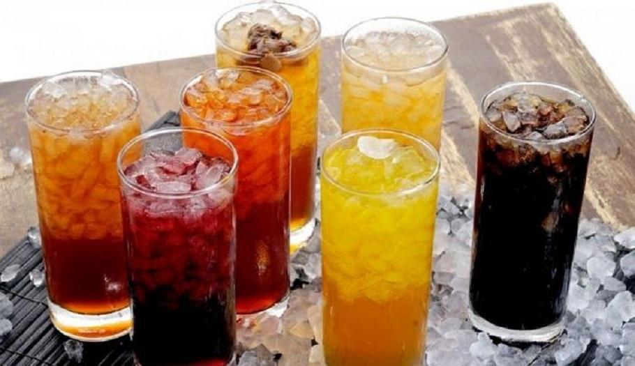 Băuturile carbogazoase fac parte din topul alimentelor care pot declanșa un cancer prin surplusul de zahăr sau aspartam