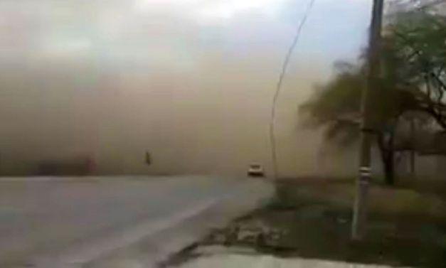 Fenomen spectaculos în mai multe localități din Moldova. Norul de praf galben a îngreunat traficul