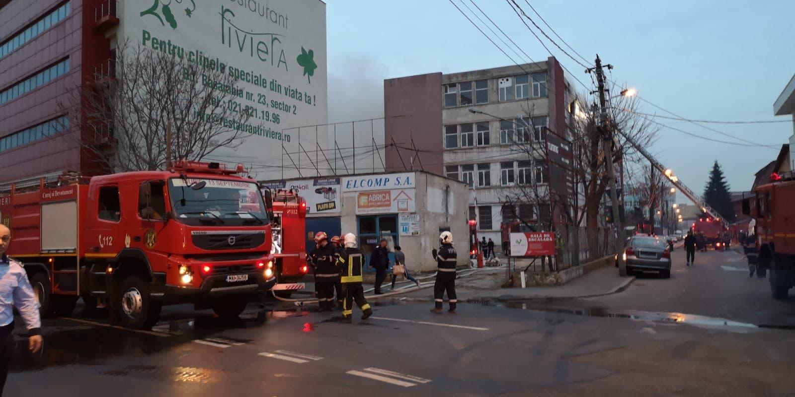 Incendiul a izbucnit vineri după amiază