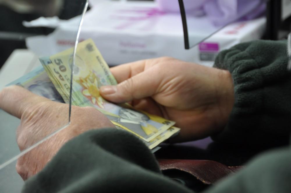 Bani mai mulți pentru pensionari! Cât a ajuns să valoreze punctul de pensie și când se măresc indemnizațiile
