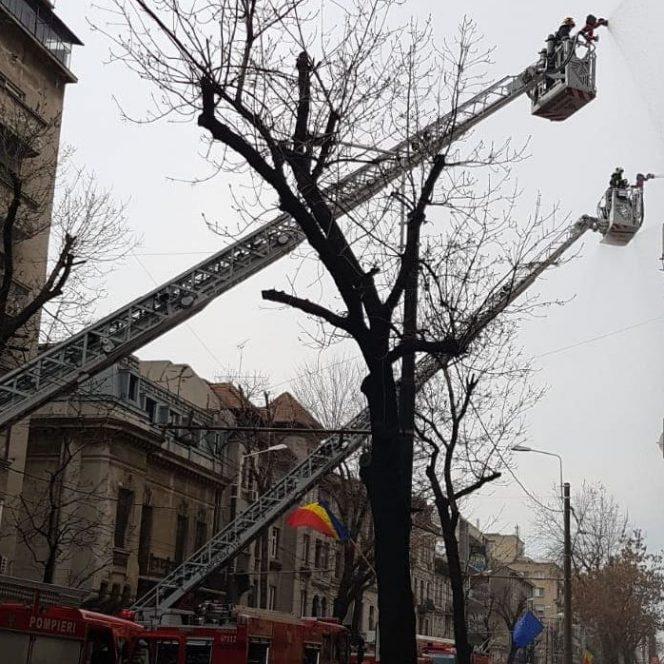 Incendiu puternic, în zona Kogălniceanu din Capitală!