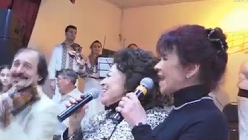 Imagini de colecție! Maria Ciobanu, în lacrimi, în timp ce cânta alături de fiica sa, Camelia. Revenire după 2 ani de pauză