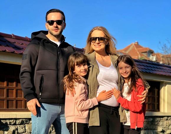 Mihai Morar, împreună cu frumoasa lui familie