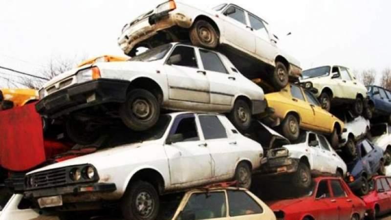 Iași oferă 500 de euro tuturor celor care își duc mașinile la fier vechi