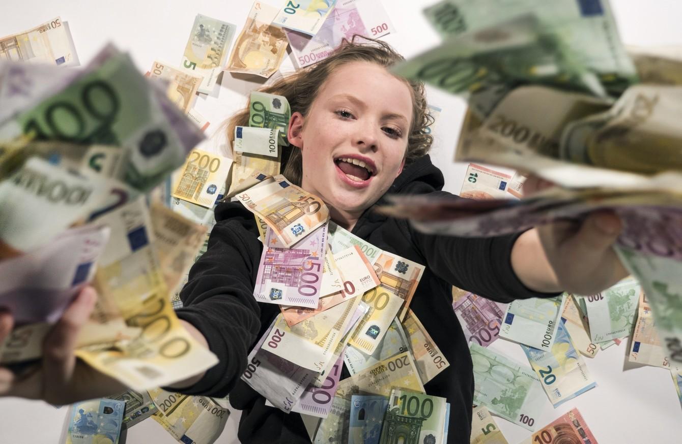 Report de 2,7 milioane de euro la Loto 6 din 49
