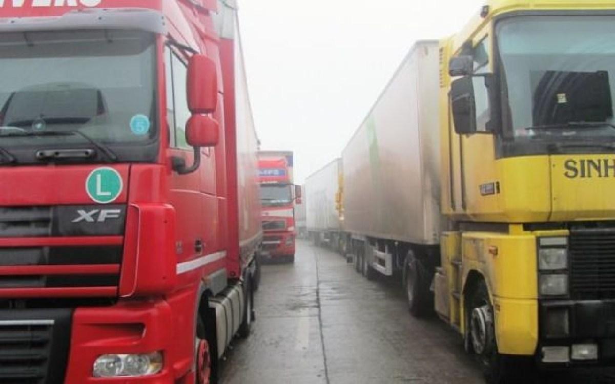 Restricțiile se aplică pentru camioanele de peste 7,5 tone