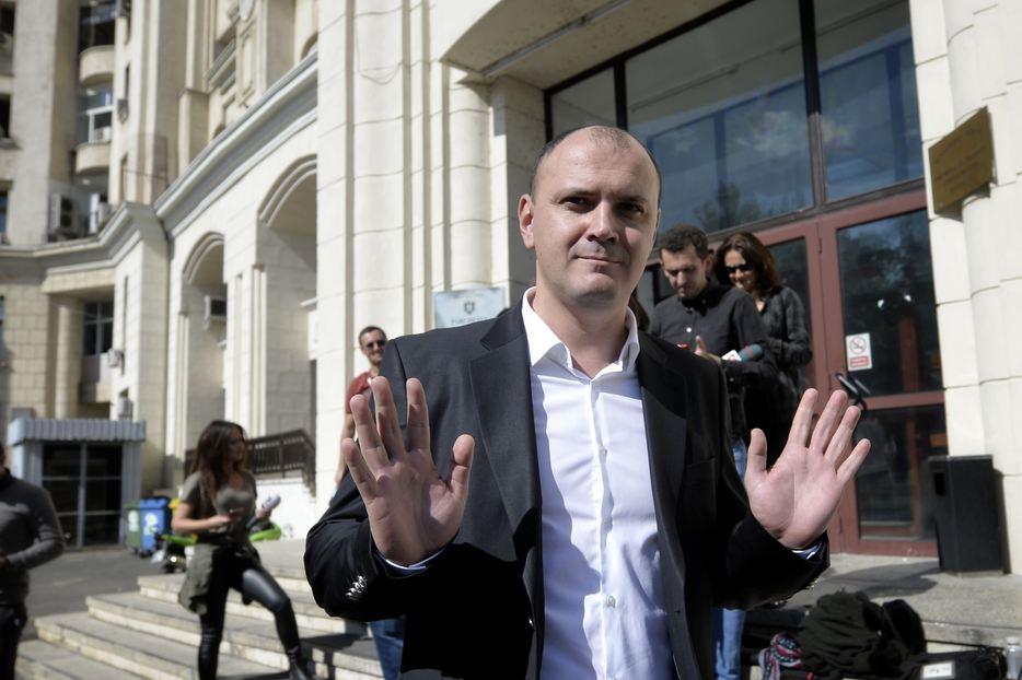 Sebastian Ghiță nu vrea să se întoarcă în țară