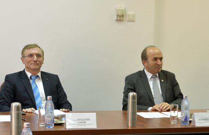Tudorel Toader i-a prezentat premierului Viorica Dăncilă OUG 7! Cinci articole vor fi modificate